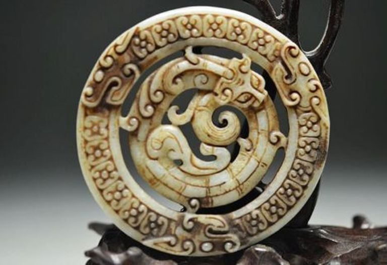 Old Jade Hand Craved Dragon Pendant