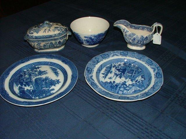 501: Ceramics.Start Bid €20.