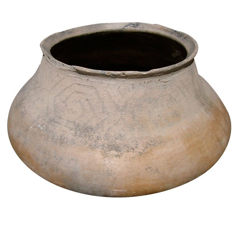 16: Large Clay Pot