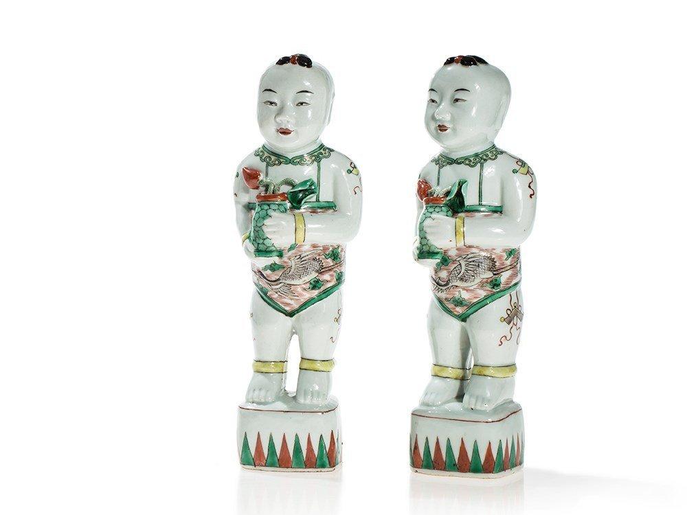 Pair of Famille Verte Porcelain Figures of Boys, Qing
