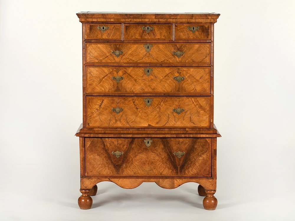 Charming Highboy with original fittings, 18th Century