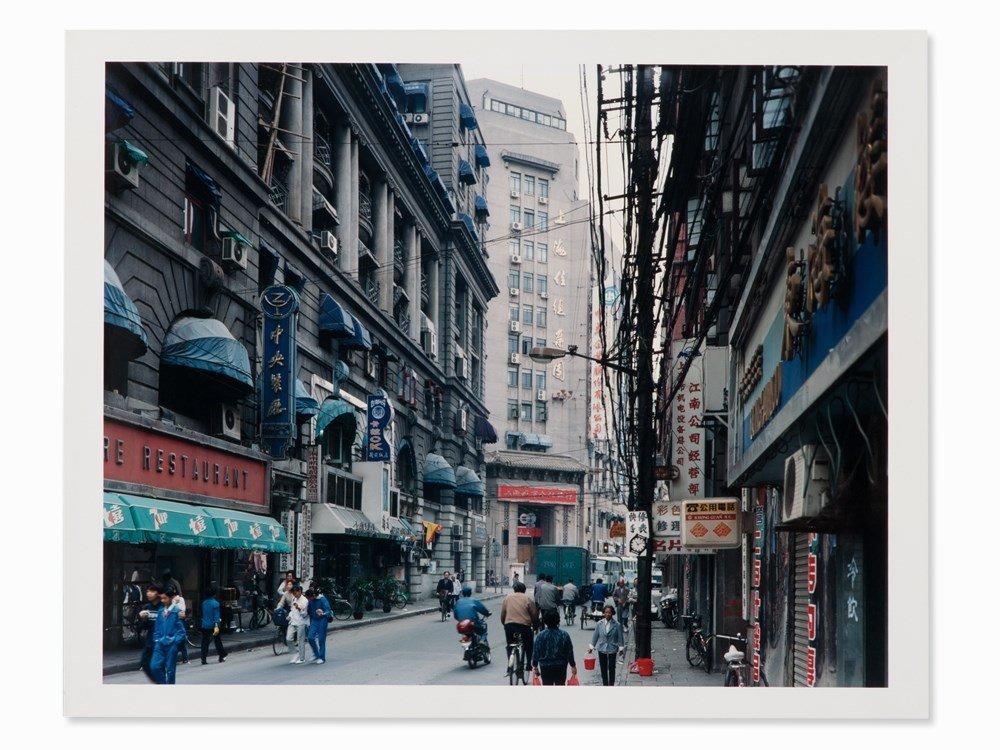 Thomas Struth (b. 1954), Jiangxi Zhong Lu, Shanghai,