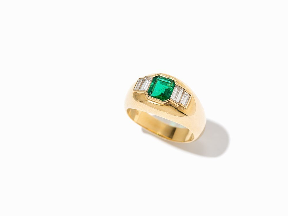 Cartier Emerald Ring with Diamonds, 18K Yellow Gold, c.