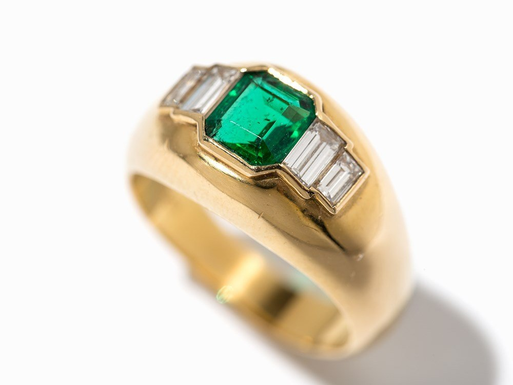 Cartier Emerald Ring with Diamonds, 18K Yellow Gold, c. - 3