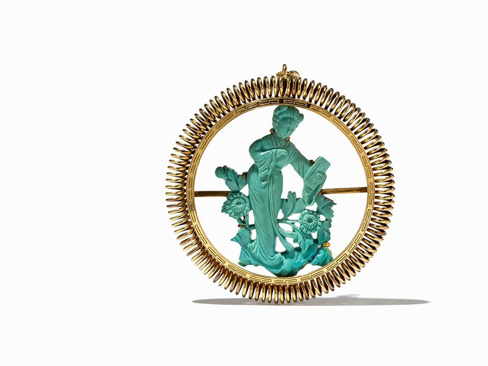 Gold Pendant with a Turquoise Carving in Shape of a