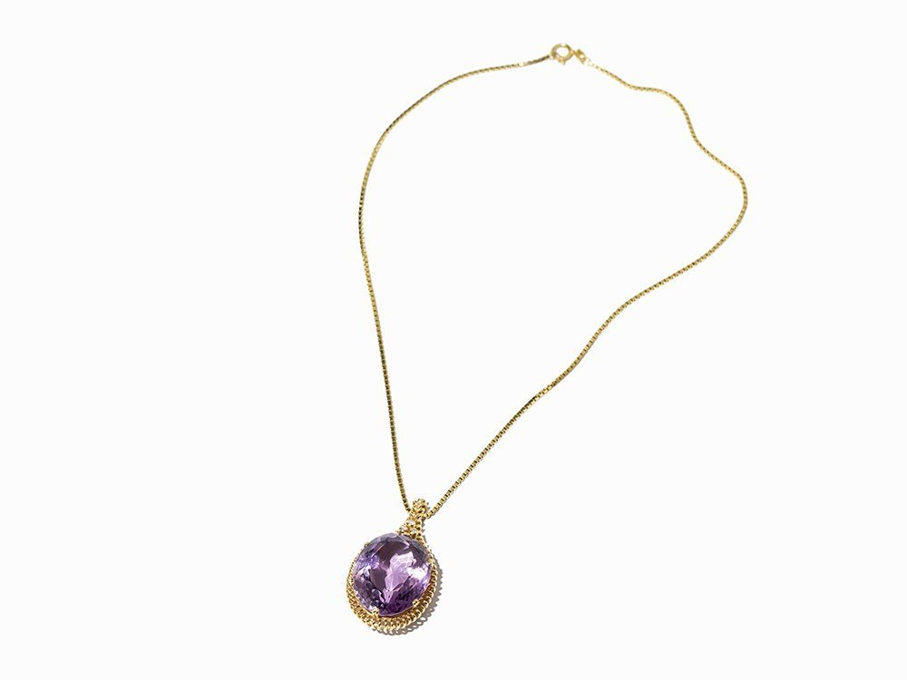 Amethyst Gold Necklace with Three Diamonds, Germany, c.