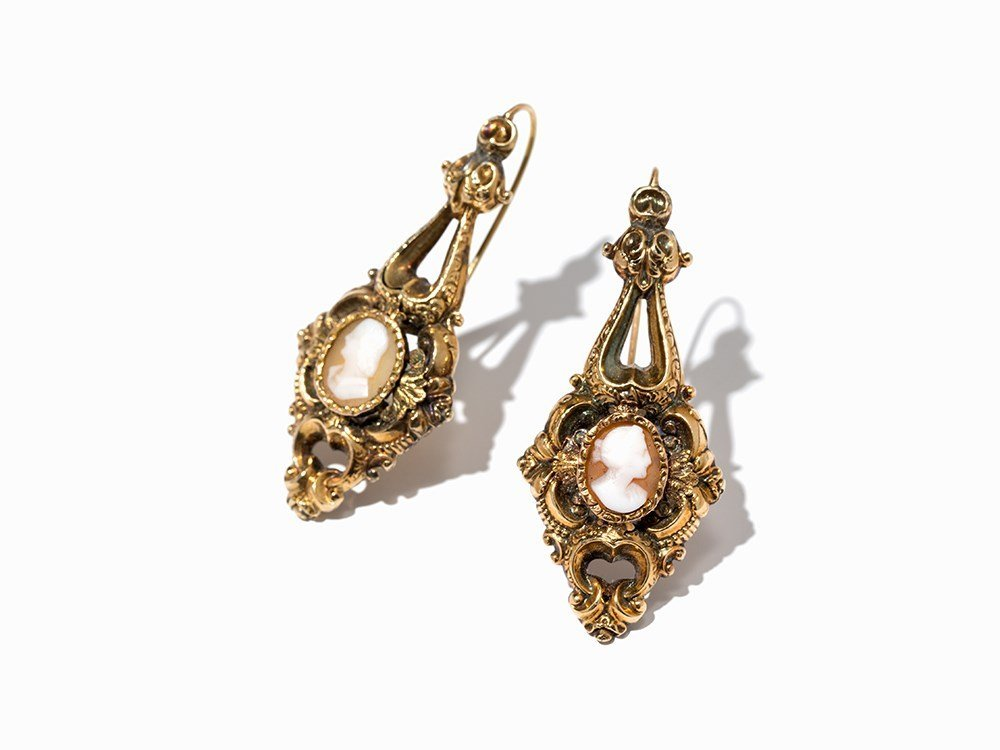 Pair of Hollow Gold Earrings with Shell Cameo, 14 K,
