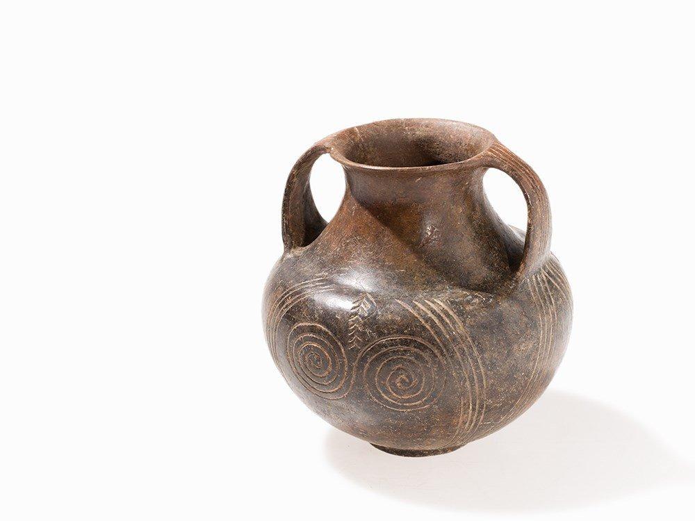 Etruscan Amphora Impasto, Italy, 1st Half 7th Century