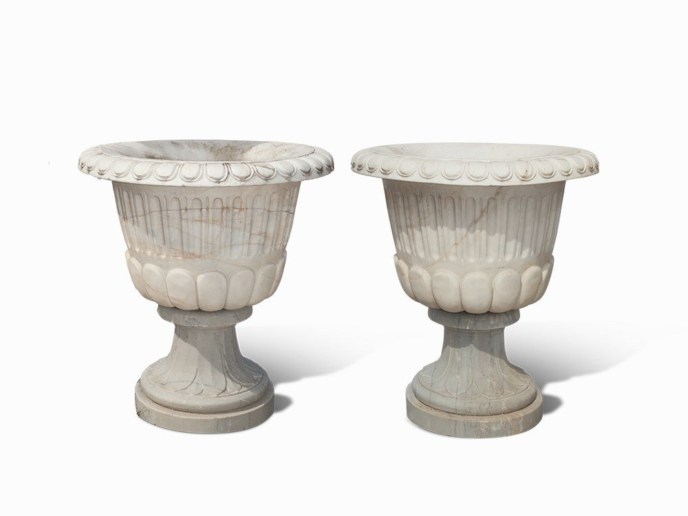Pair of Vases after Classic Paragons, Marble, 20th C.