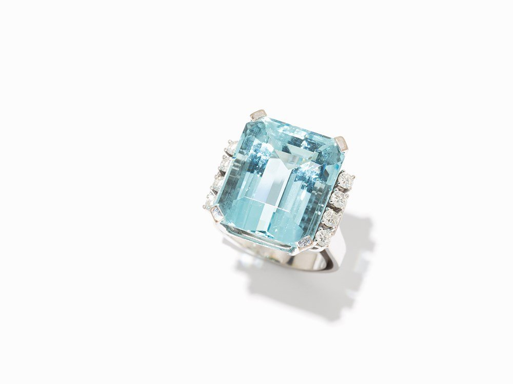 Cocktail Ring with Aquamarine of 23 ct., 18K White Gold