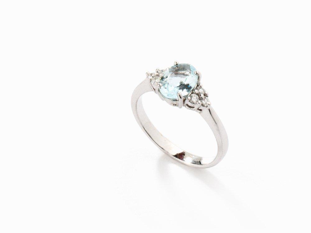 Ladies Ring with Aquamarine and Diamonds, 18K Gold