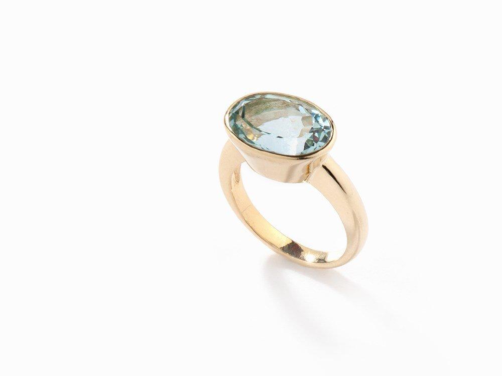 Ring with Aquamarine of c. 5.71 ct., 18K Gold