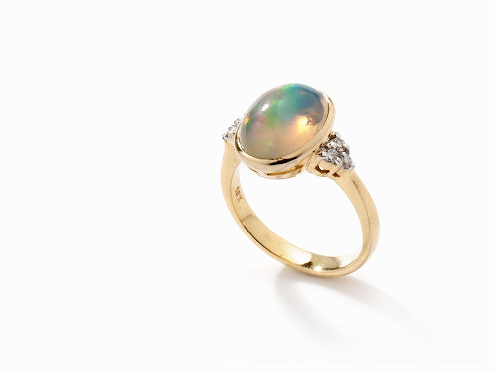 Ring with Opal and 6 Diamonds, 18K Yellow Gold