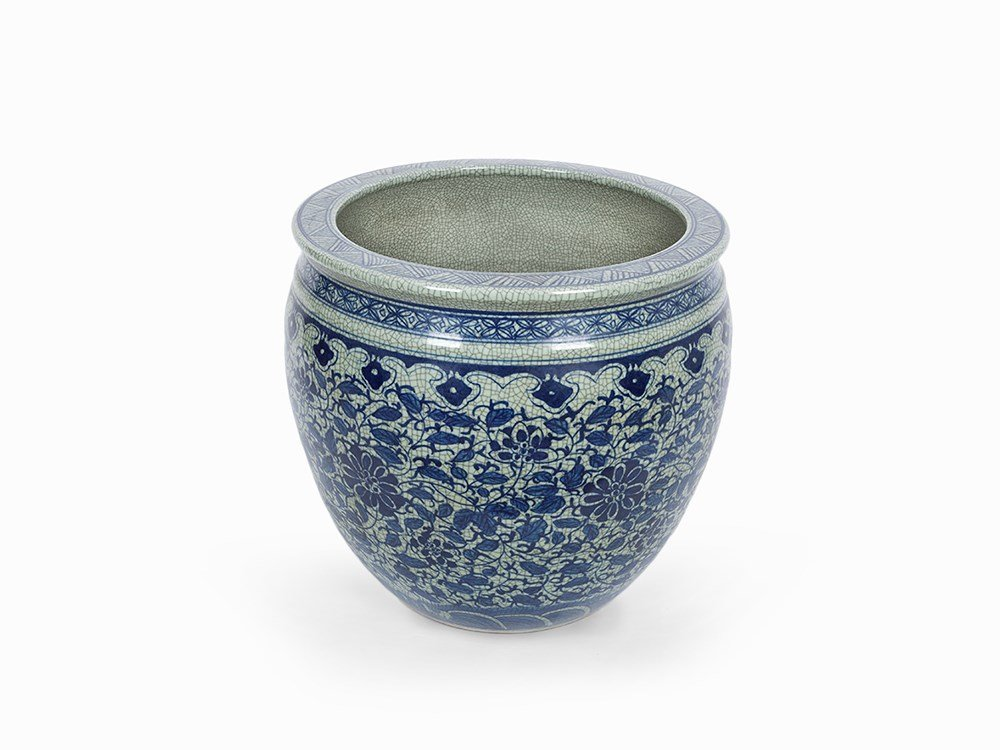 Fish Bowl with Underglaze Blue Decoration, China, Qing,