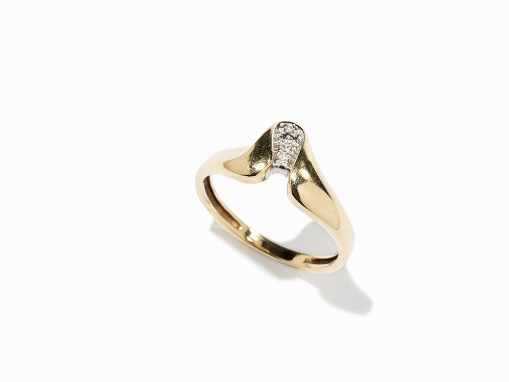 Gold Ring with 3 Brilliants and Fine Granulation, 14K