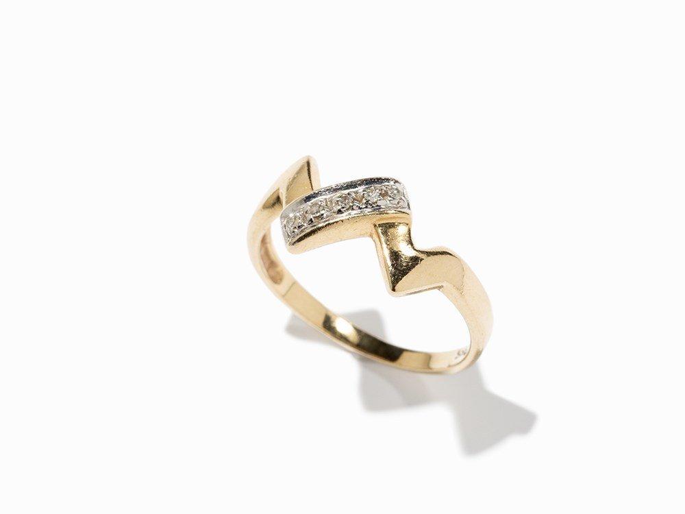 Diamond Ring With a Zigzag Design, 14K Gold, circa 1980