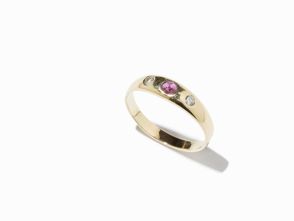 Ladies Ring with Ruby and Diamonds, 14K Gold, c. 1990