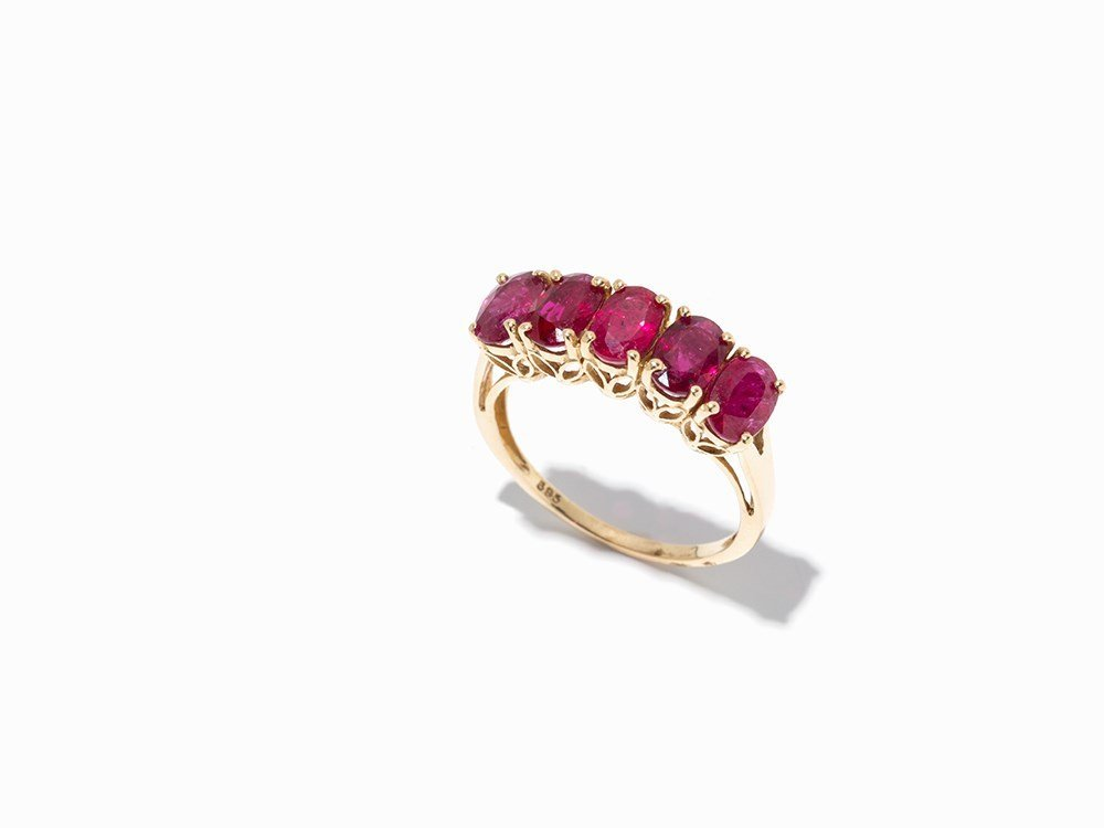 Lady's Ring with 5 Red Colored, Oval Sapphires, 14K