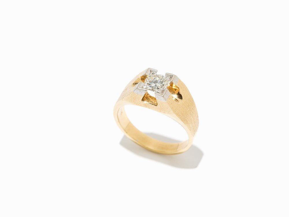 Solitaire Men's Ring with Central Diamond of c. 1.15