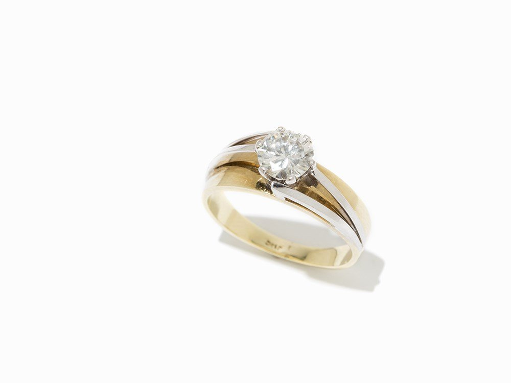 Solitaire Ring with Central Diamond of c. 1.21 ct., 14K