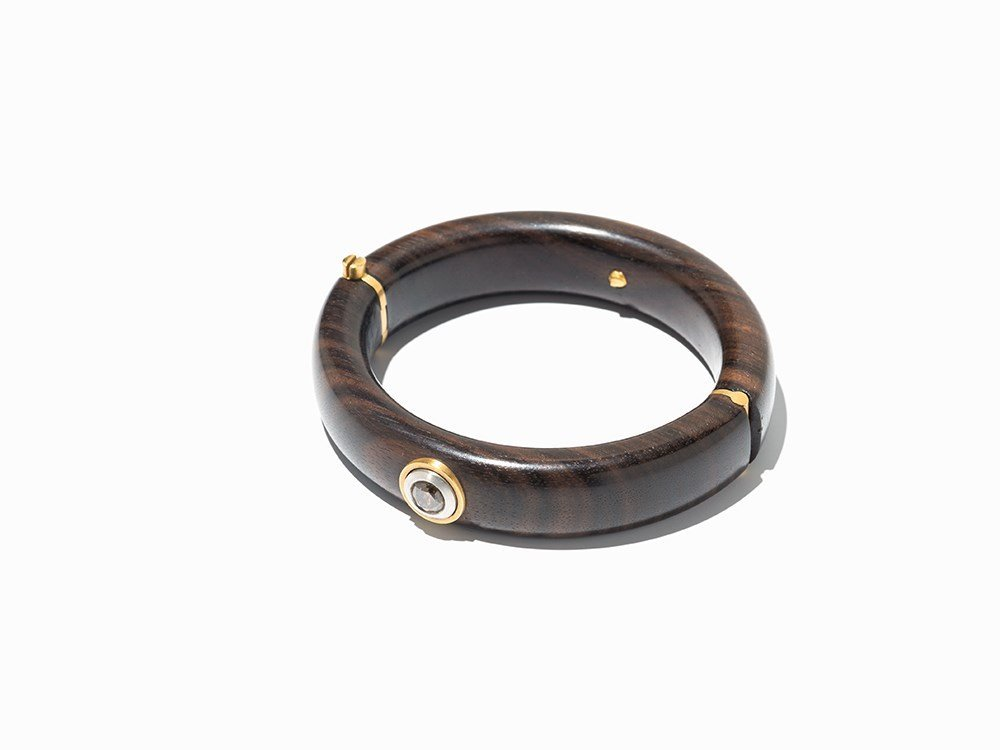Ebony Bangle with a Diamond of c. 1.35 ct., Gold and