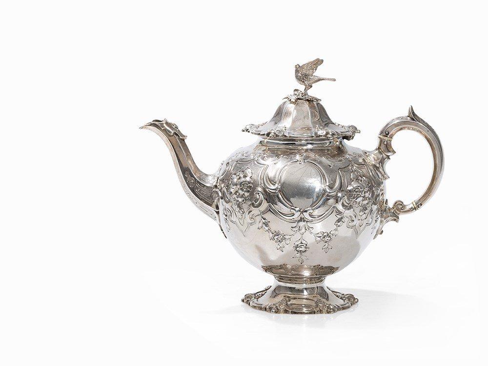 A Victorian Silver Teapot, Edward Barnard & Sons,