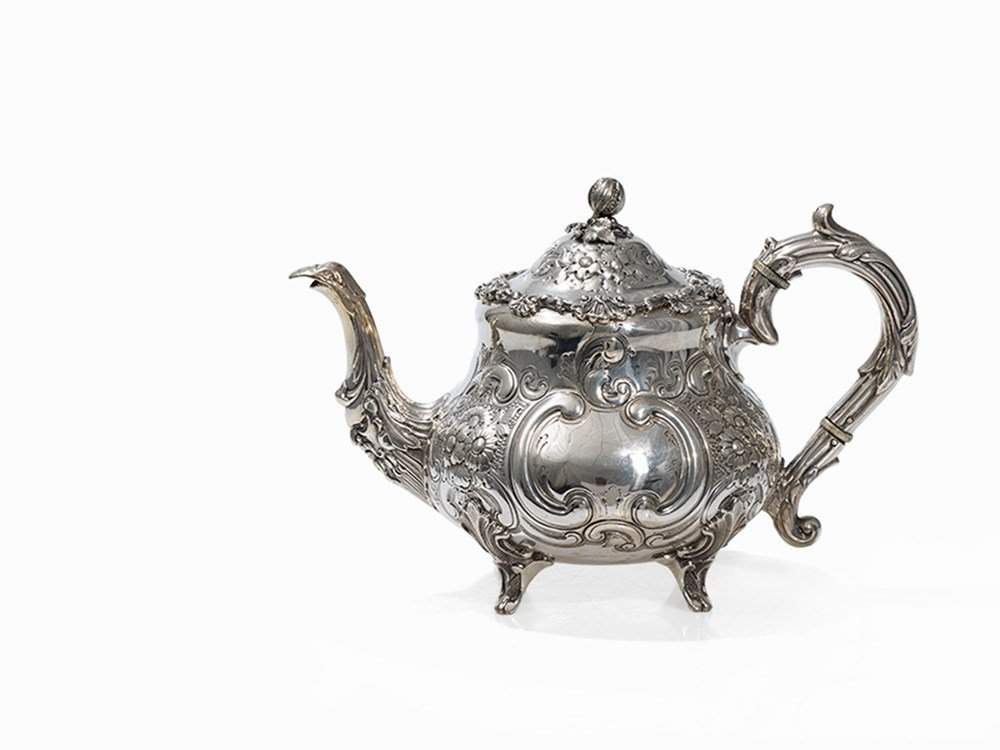 A Victorian Silver Teapot by Mappin & Webb, Sheffield,