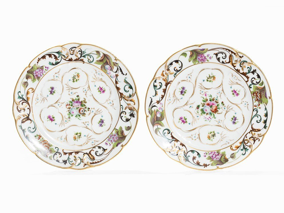 Pair of Porcelain Plates with Floral Design, Popow,