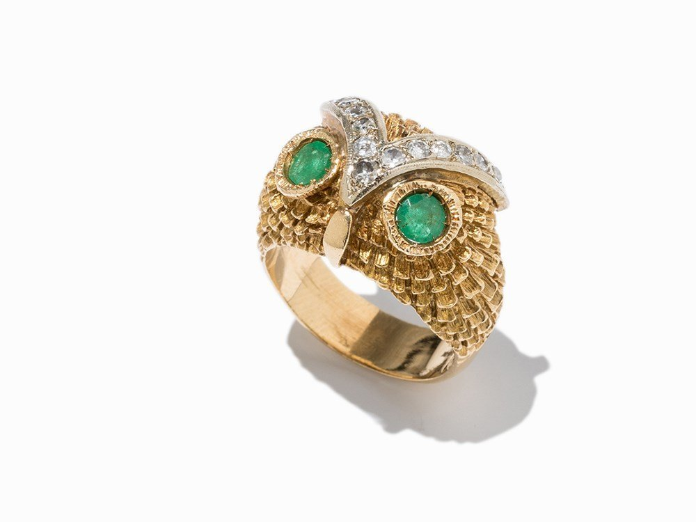 Cute Owl Ring with 2 Emeralds and 15 Diamonds 14k