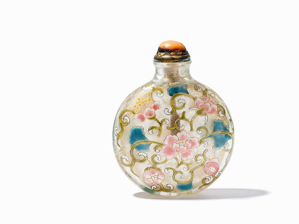 Enamelled Glas Snuff Bottle with Peonies, 18th/19th C.