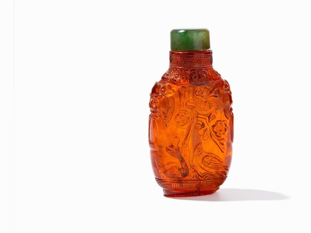 Amber Snuff Bottle with Rams and Birds, Qing