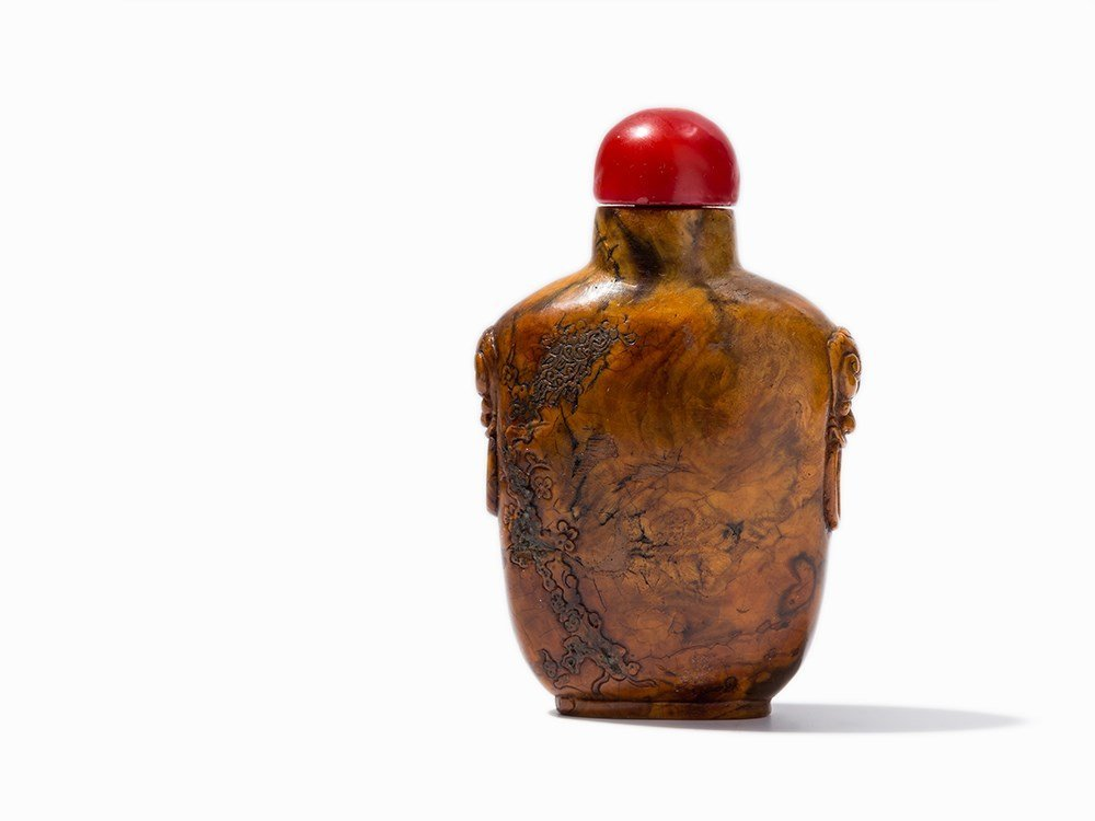 Root wood Snuff Bottle with Relief Handles, 19th C.