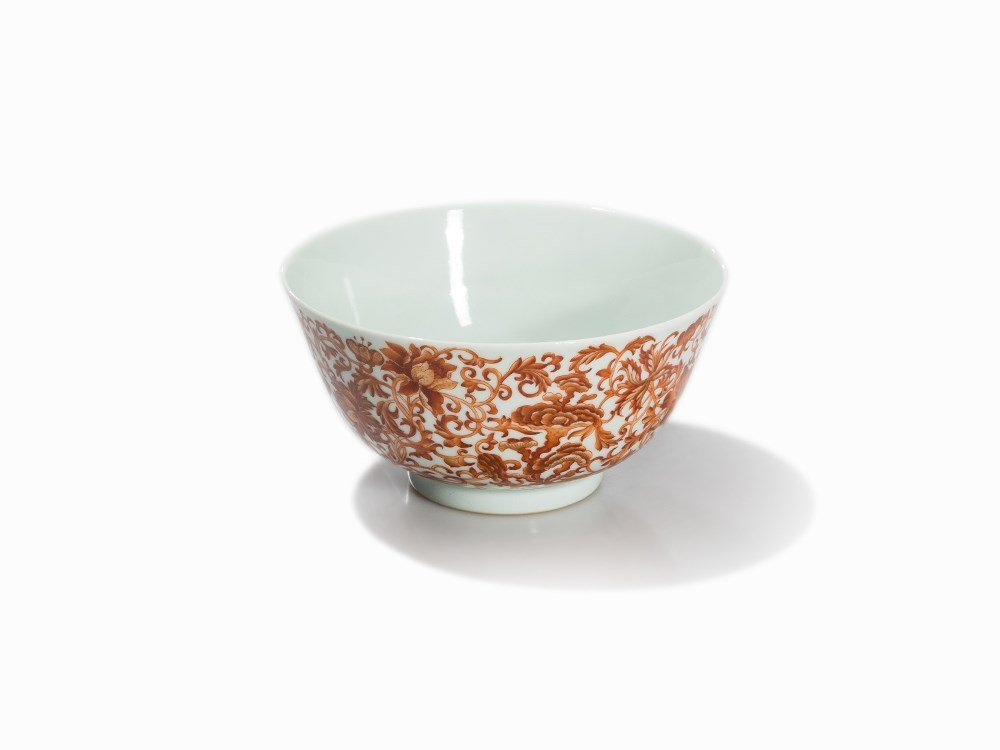 Iron-Red Bowl with Floral Décor and Lingzhi, Daoguang