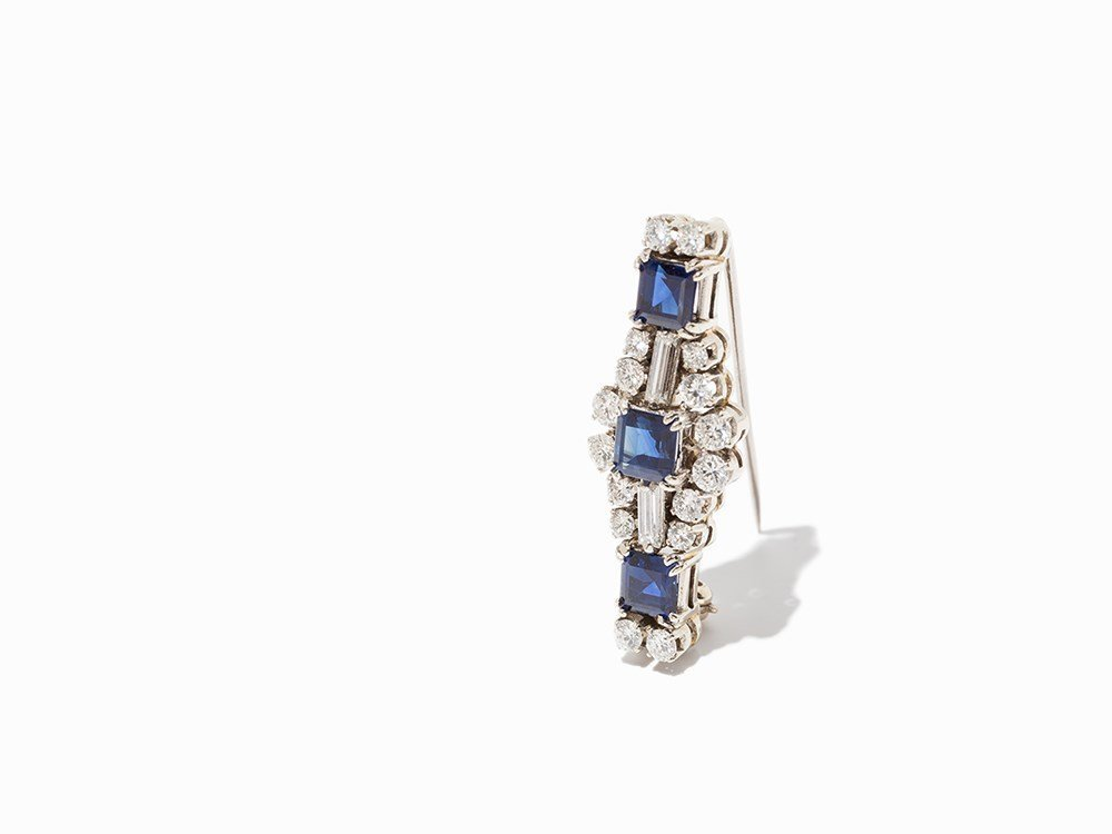 Brooch with 18 Diamonds & 3 Sapphires, 18K White Gold