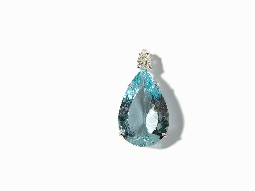 Pendant with 16 ct. Aquamarine and Diamond, 14K Gold
