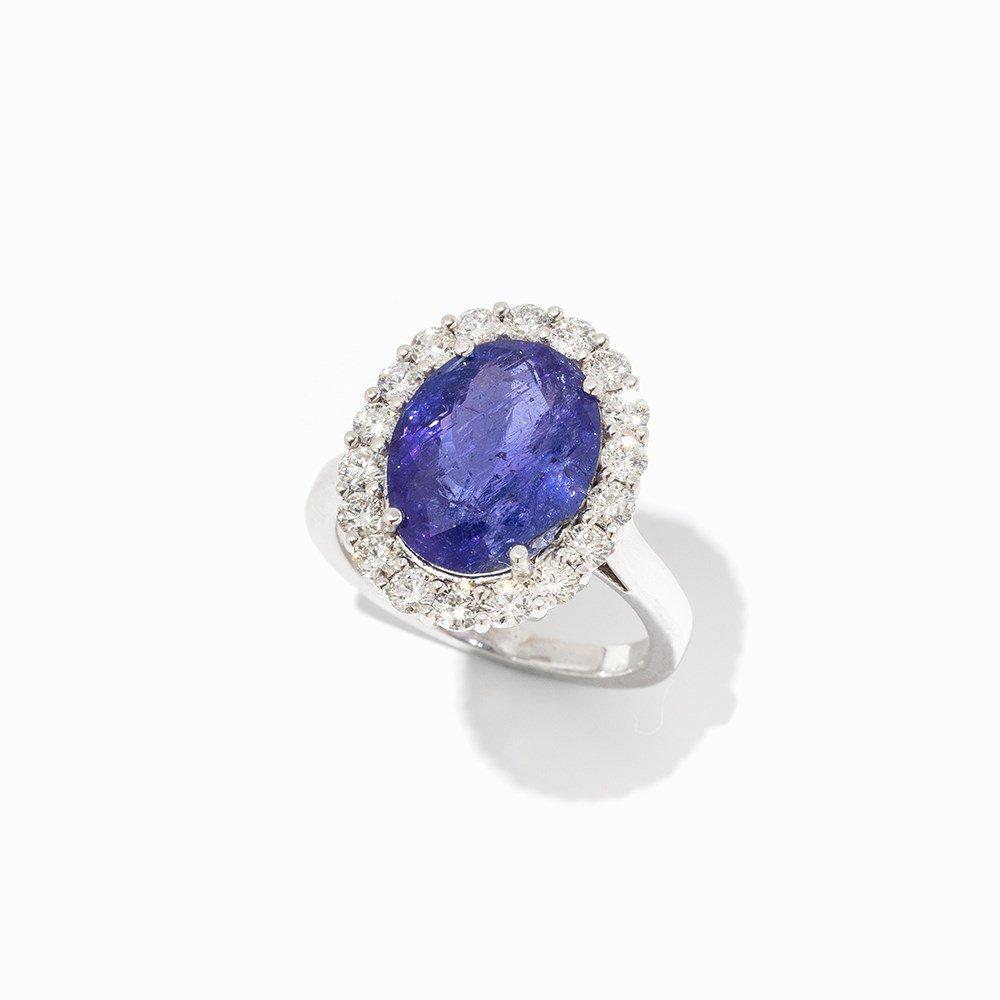 Tanzanite Ring with Brilliant Cut Diamond Border, 14K