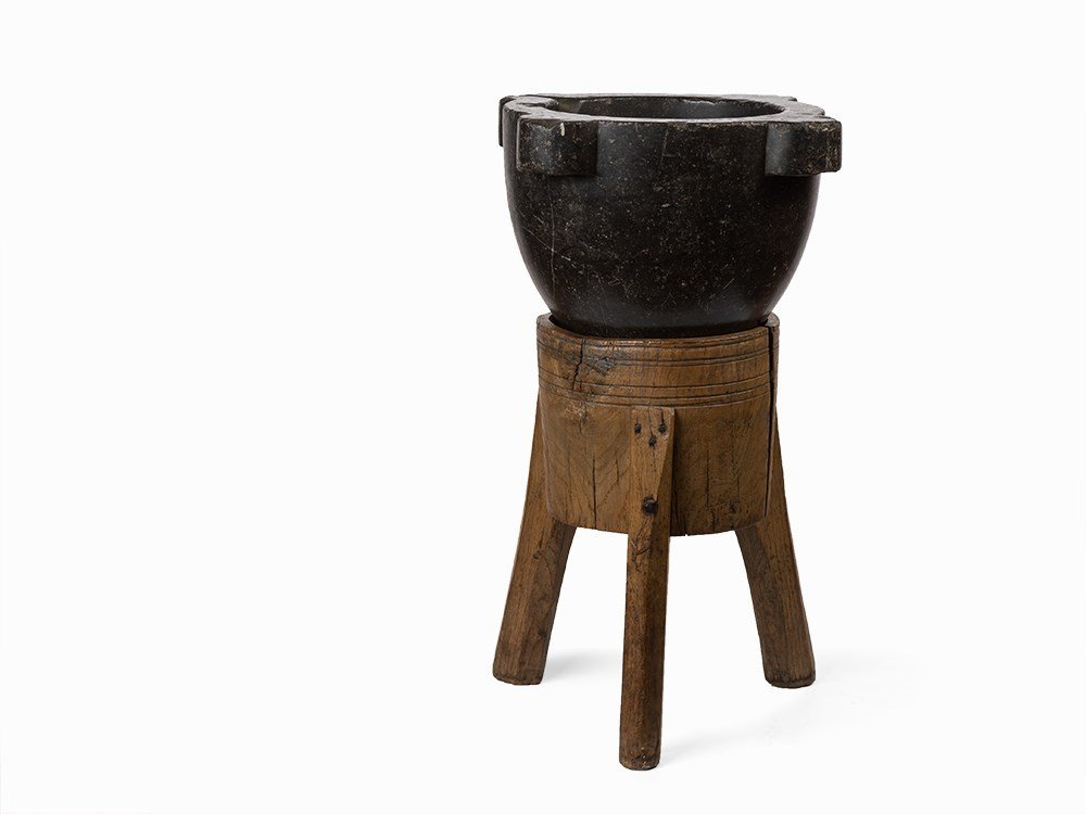 A Black Marble Mortar, 17/18th C.
