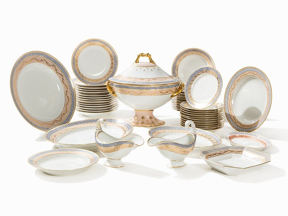 KPM, 47-Piece Royal Dinner Service 'Konisch', 19th/20th