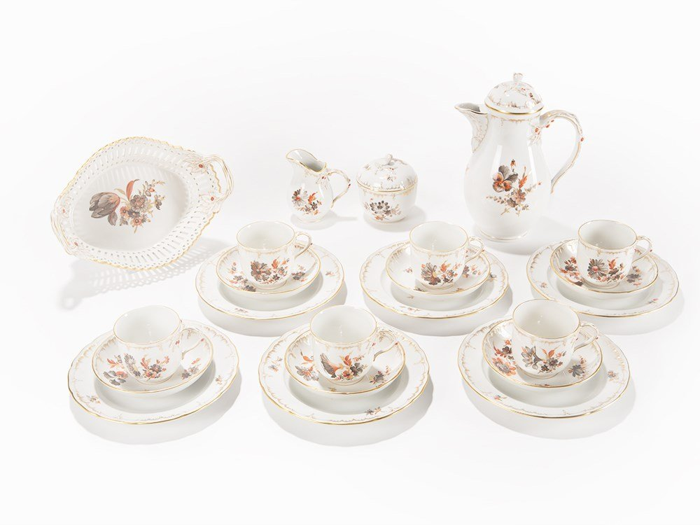 KPM, Coffee Set 'Neuglatt' with Flower Décor, 22