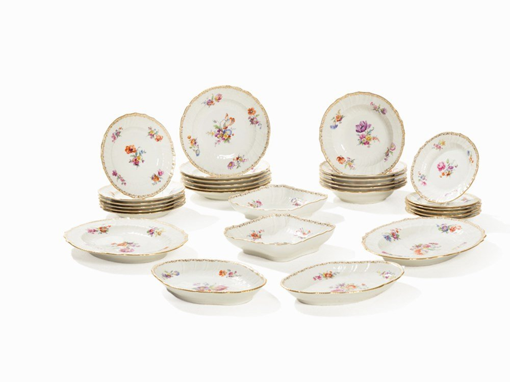 KPM, 30-Pcs. Table Service, 'Neuosier', 2nd Q. 20th C.