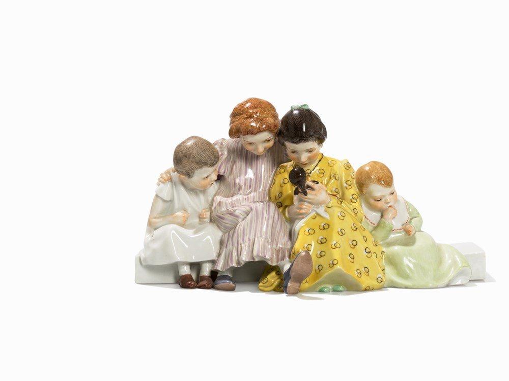Konrad Hentschel, 'Vier Kinder mit Puppe', Meissen, c.