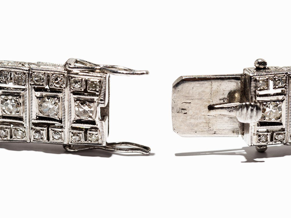 Art Deco Diamond Bracelet in Platinum, circa 10.5 Ct., - 6