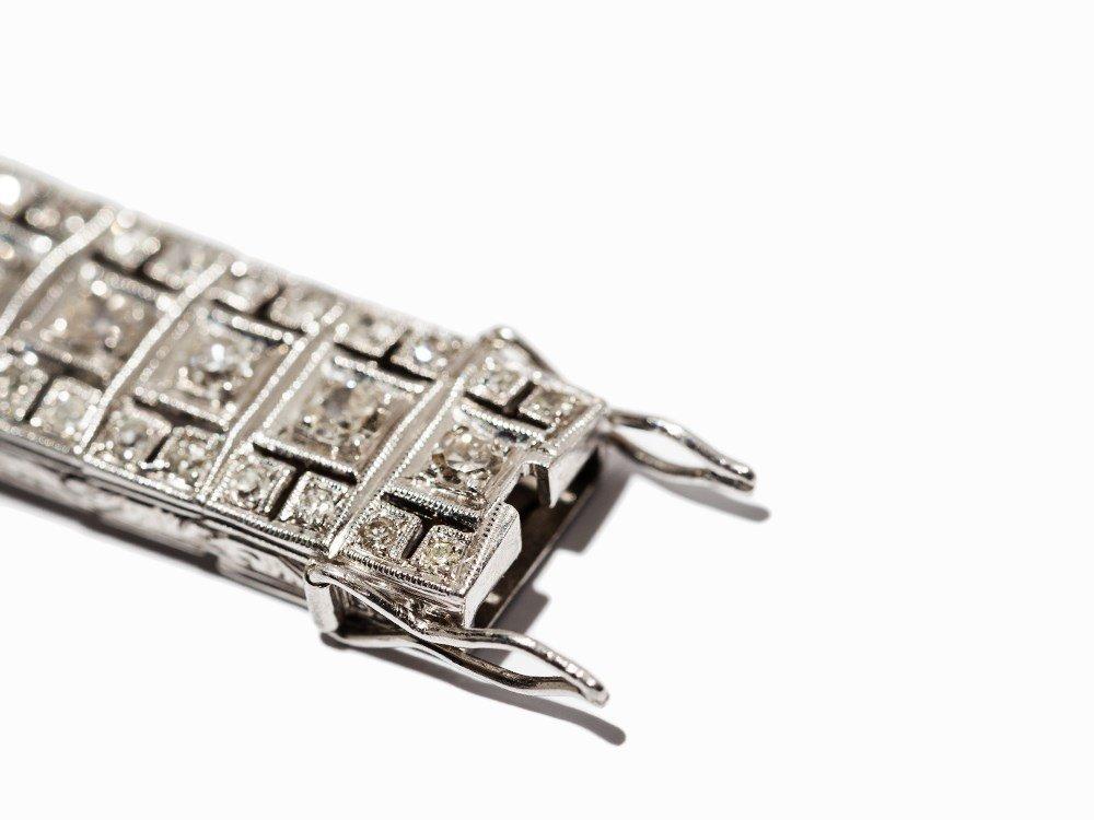 Art Deco Diamond Bracelet in Platinum, circa 10.5 Ct., - 7