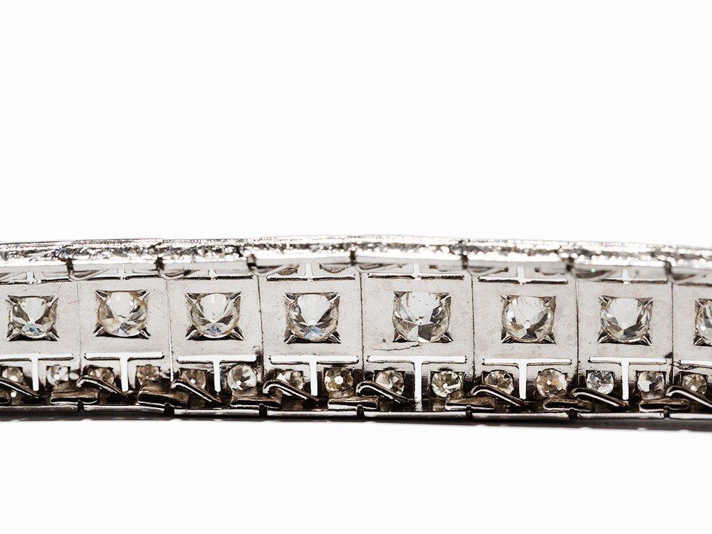 Art Deco Diamond Bracelet in Platinum, circa 10.5 Ct., - 8