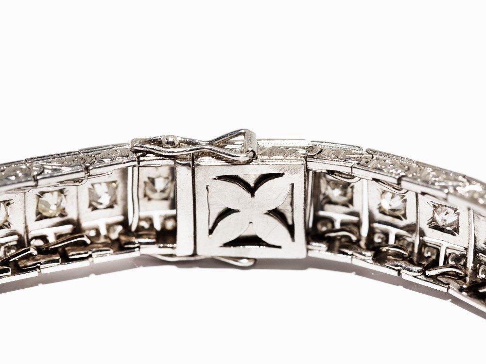 Art Deco Diamond Bracelet in Platinum, circa 10.5 Ct., - 9