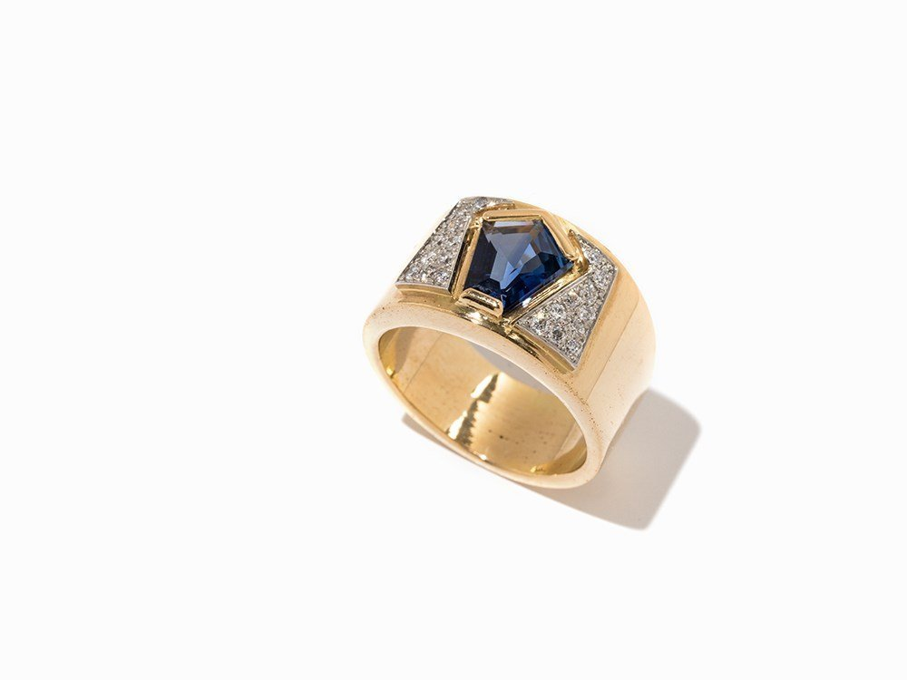 Sven Boltenstern,Ring with Sapphire and Diamonds,18K