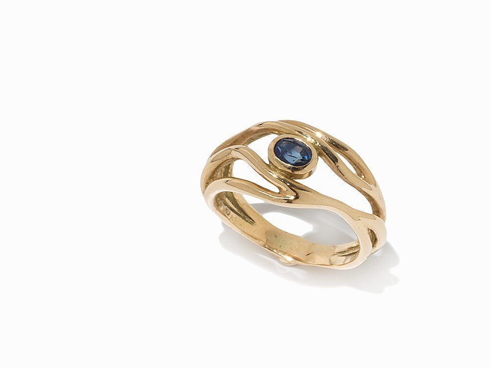 Sven Boltenstern, 18K Yellow Gold Ring with Sapphire