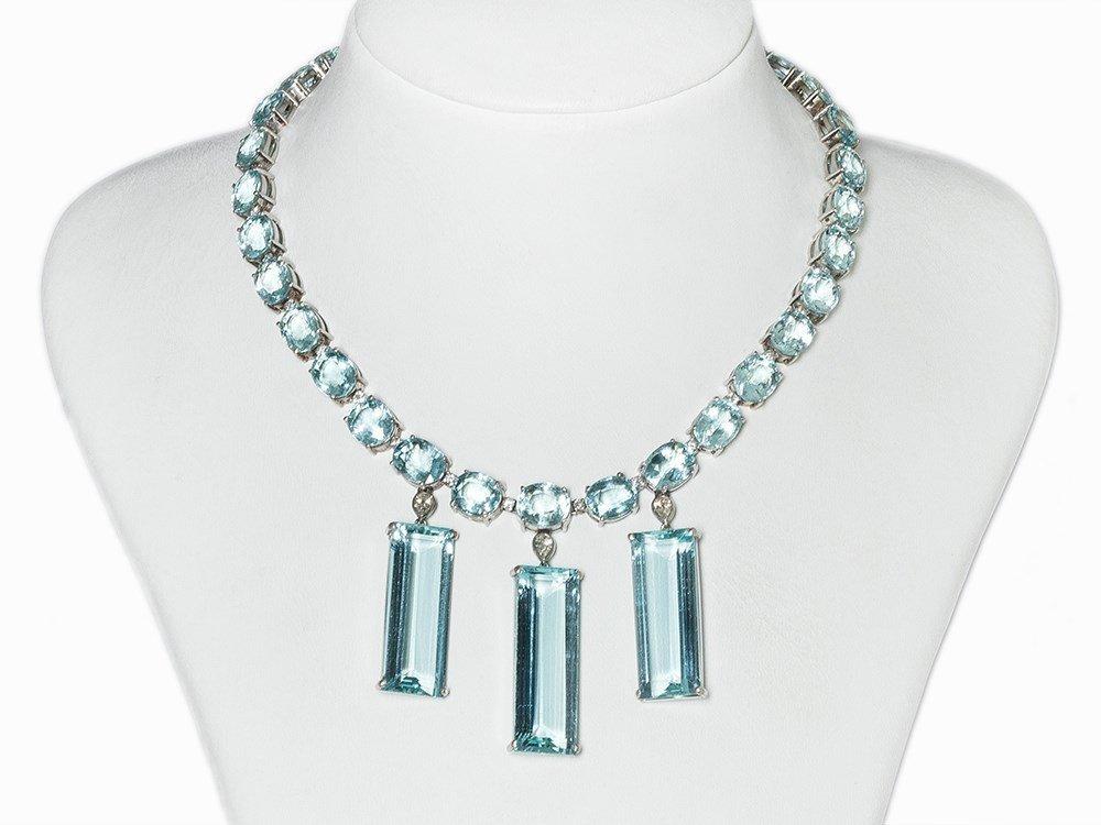 Aquamarine Collier, 18K White Gold