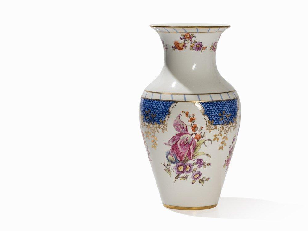 KPM, Porcelain Vase, Décor 'Breslauer Stadtschloss',