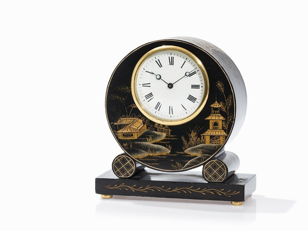 Mantel Clock with Chinoise Dcor, 1. Q. 20th C.